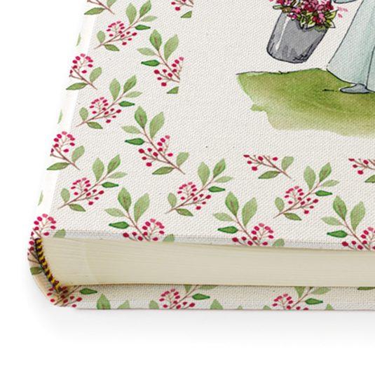 Detalle lomo cenefa Guinda color rosa y verde